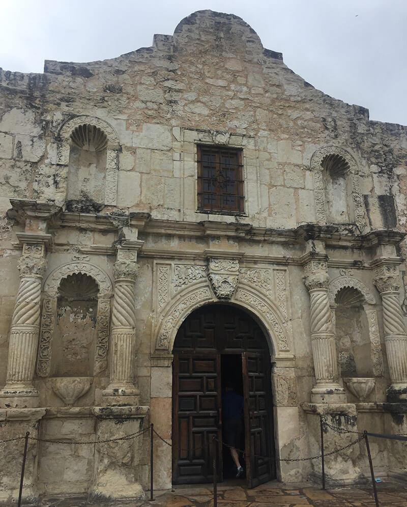 アラモの砦の入り口