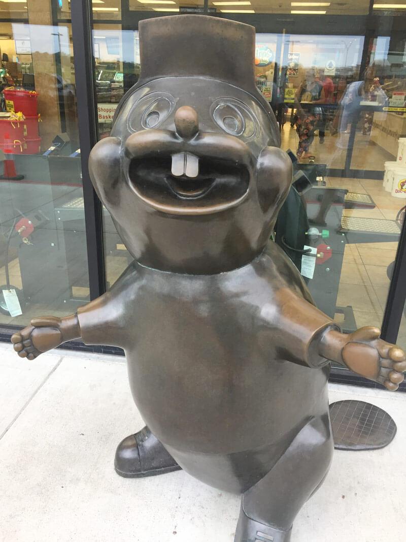 バッキーズのキャラクターの銅像