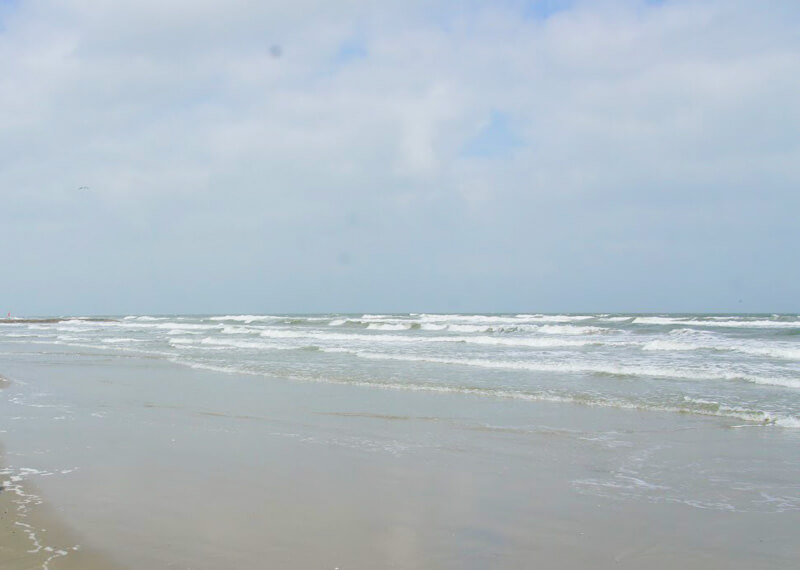 ガルベストンのビーチはグレー