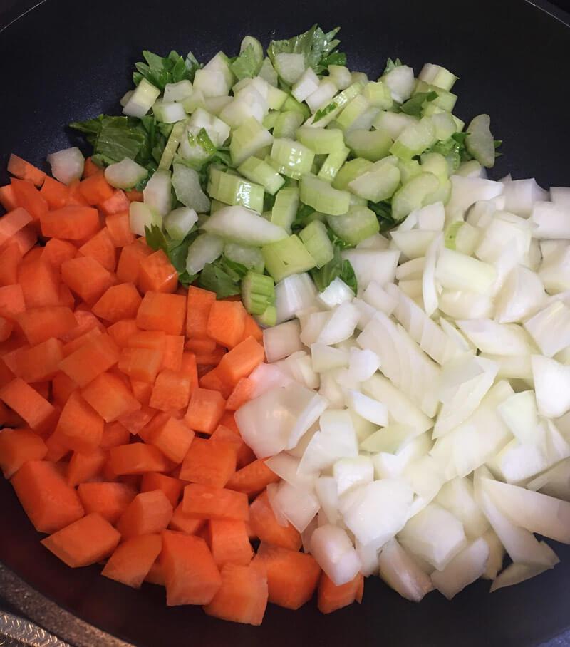 スタッフィング材料の野菜